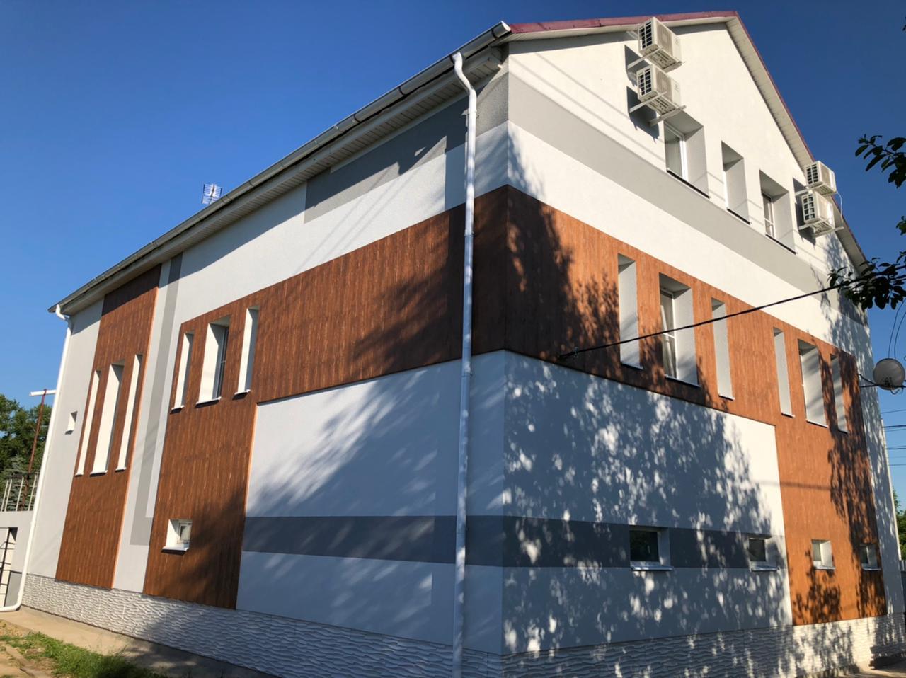 Законченные фасадные работы в поселке Столбовая