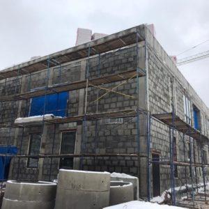 Фасадные работы с монтажом строительных лесов дошкольного образовательного учреждения